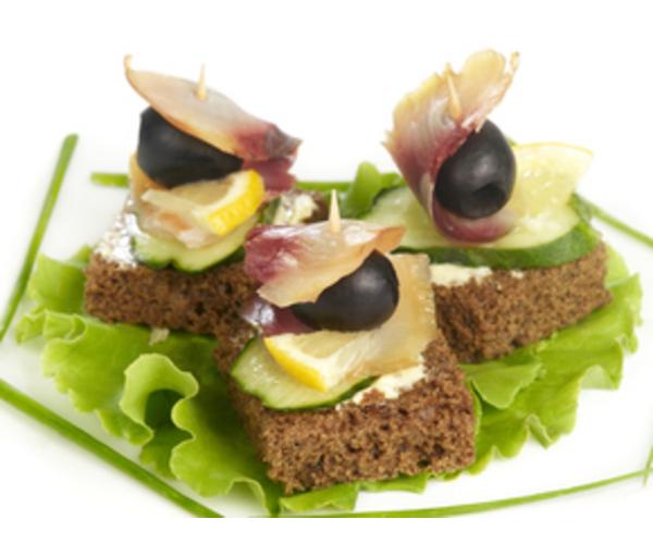 Рецепт                  Бутерброды с копченой рыбой