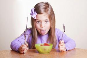 Ребенка нужно начинать обучать правилам этикета в 3,5-4 года