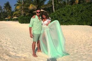 Звезда клипа Экспонат наслаждается медовым месяцем на Мальдивах