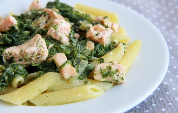 Рецепт                  Паста с семгой и шпинатом