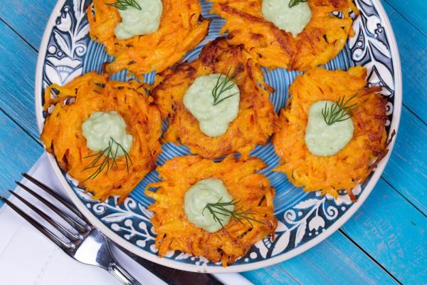 Рецепт                  Оладьи из моркови с манкой