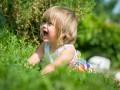 Ребенок упал: как нельзя действовать маме