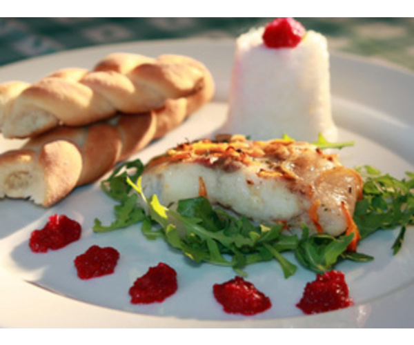 Сладко-острый вкус соуса придает этому блюду необычные  вкусовые ощущения