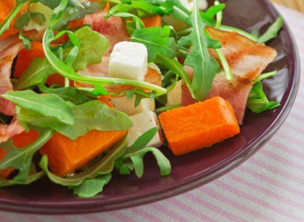Рецепт                  Салат из тыквы с беконом и брынзой