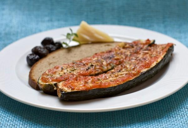 Рецепт                  Кабачки, фаршированные маслинами и сладким перцем