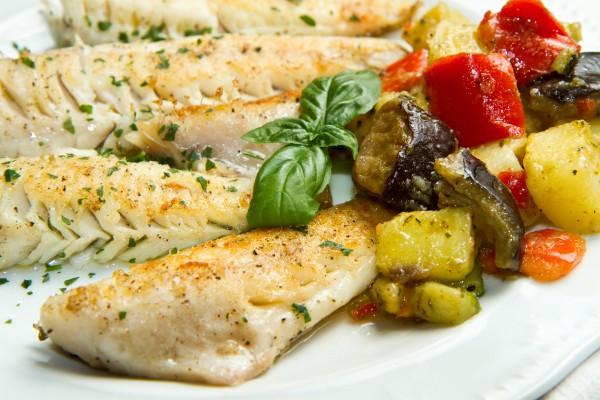 Рецепт                  Запеченный хек с овощами