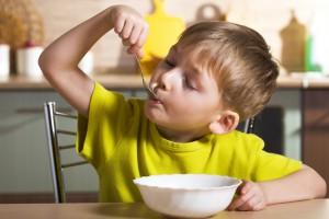 Ребенку понравится супчик, если он будет помогать тебе его готовить