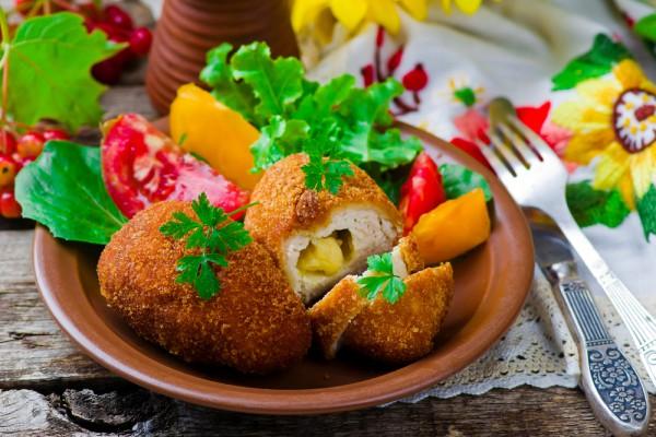 Рецепт                  Котлеты по-киевски с сырной начинкой