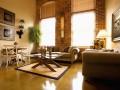 Как организовать дизайн гостиной в загородном доме