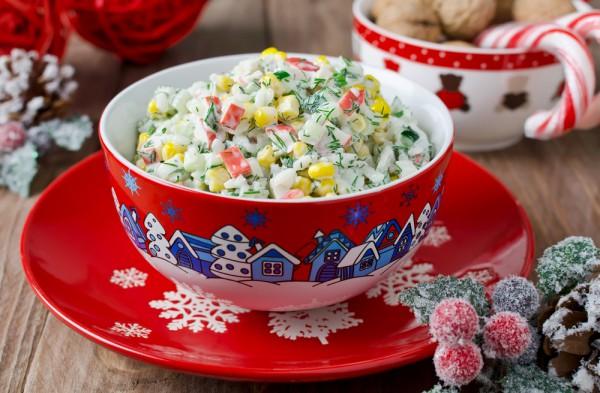 Рецепт салата на новый год с крабовыми палочками