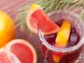 Безалкогольный ягодный глинтвейн с фруктами