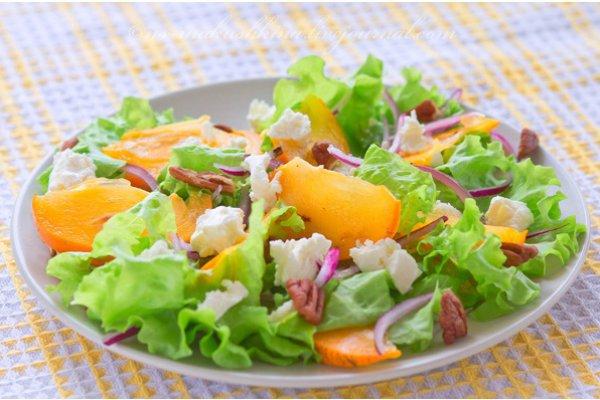 Салат с хурмой, сыром и орехами