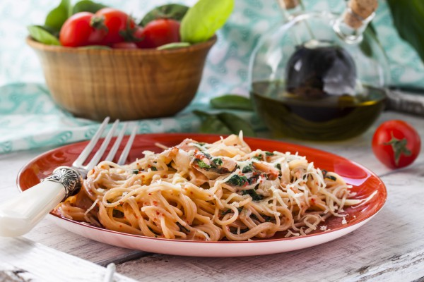 Рецепт                  Спагетти с лососем и шпинатом
