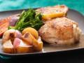 Запеченные куриные ножки с весенними овощами