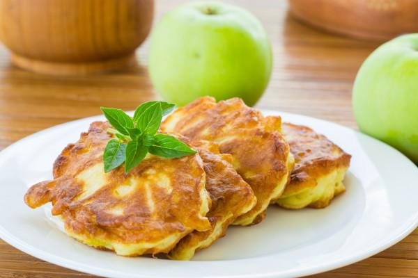 Рецепт                  Оладьи с яблочным припеком