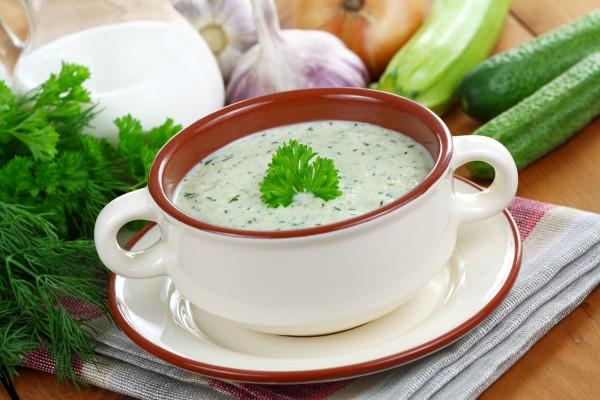 Рецепт                  Холодный суп с огурцами и цуккини