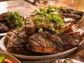 Свиные стейки барбекю
