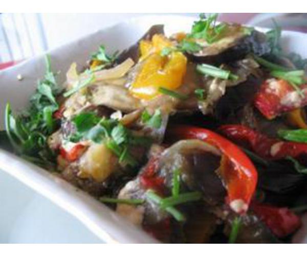 Рецепт                  Баклажаны запеченные с помидорами и перцем
