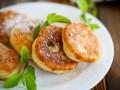Как приготовить сырники: три вкусные идеи