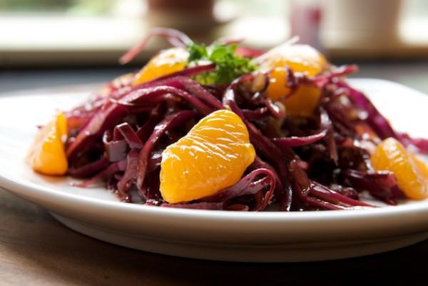 Рецепт                  Салат из красной капусты и мандаринов