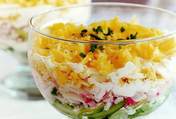 Рецепт                  Салат из огурцов с тертым сыром