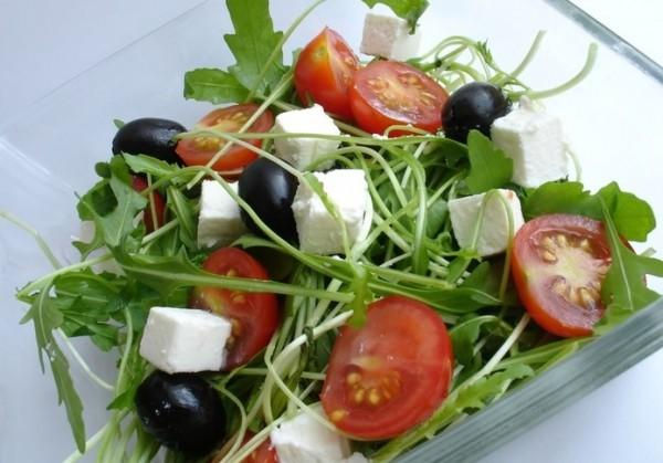 Рецепт                  Салат из рукколы с фетой и помидорами