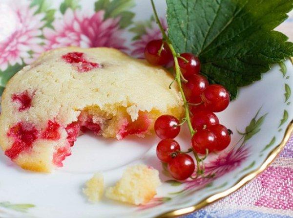 Рецепт                  Лимонное печенье с красной смородиной