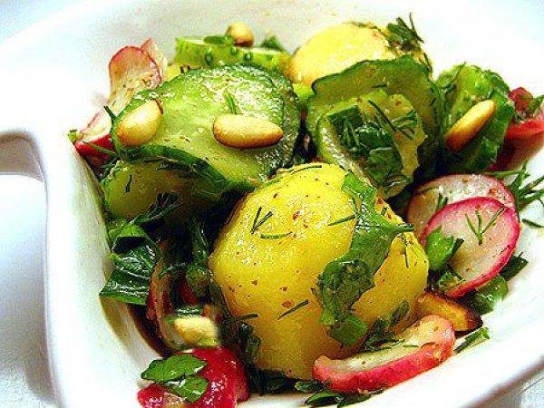 Рецепт                  Салат из молодого картофеля с редисом и огурцами