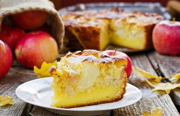 Рецепт                  Яблочный пирог с ванильно-сметанным кремом