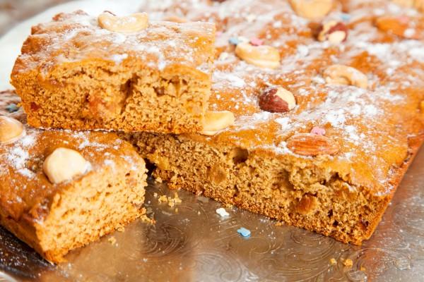 Рецепт                  Постный медовый пирог с орехами