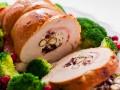 Горячие блюда на Новый год: ТОП-5 рецептов мясного рулета