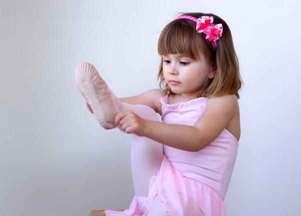 Если твой ребенок долго одевается или неправильно сочетает цвета, не комментируй это