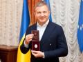 Юрию Горбунову вручили удостоверение заслуженного артиста Украины