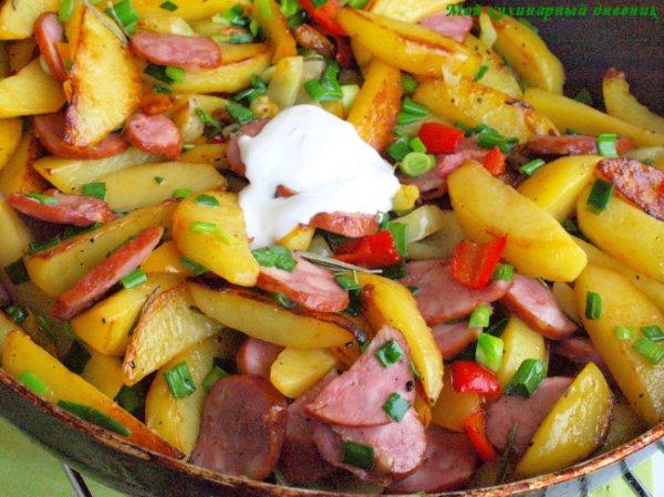 Рецепт                  Жареный картофель с колбасой и сладким перцем