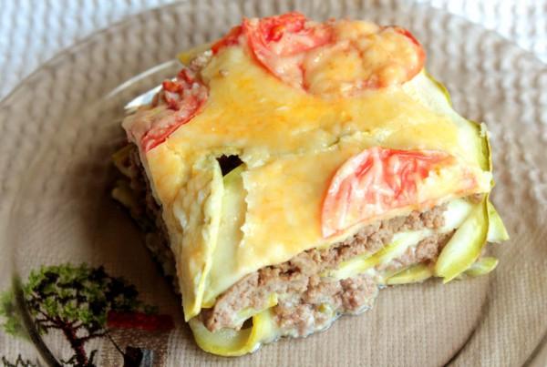 Рецепт                  Запеканка из мясного фарша с кабачками и помидорами