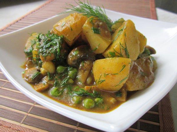 Рецепт                  Картофель с грибами и зеленым горошком