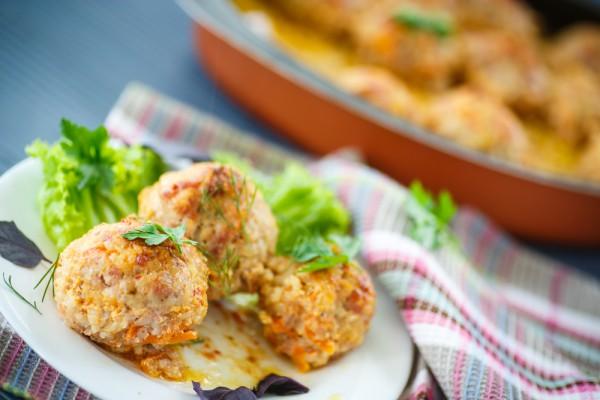 Рецепт                  Мясные тефтели с кабачками