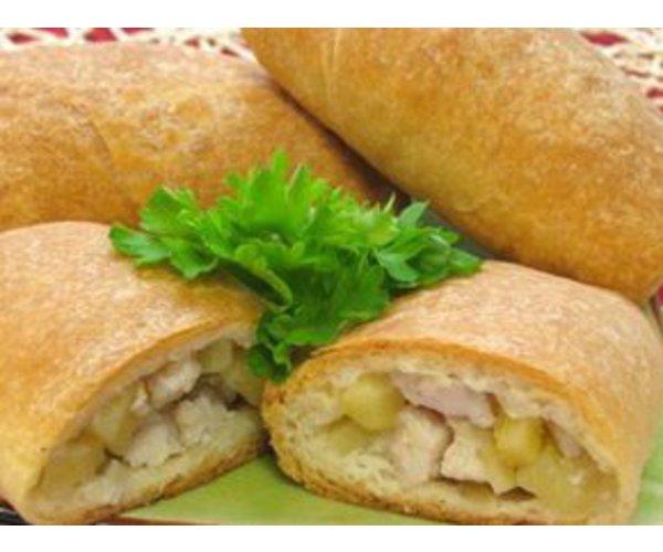 Рецепт                  Слоеные пирожки с курицей и картофелем