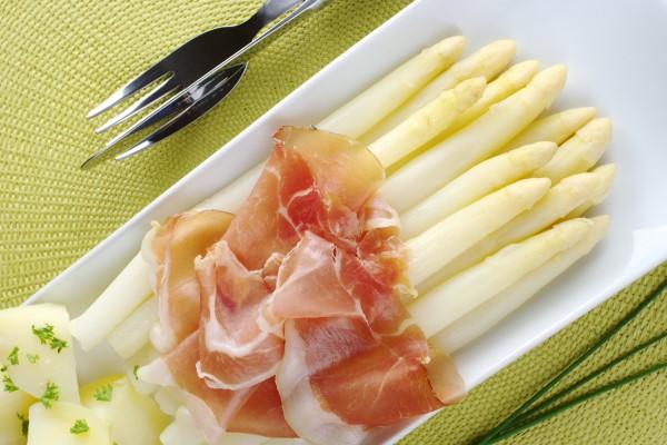 Рецепт                  Белая спаржа с голландским соусом