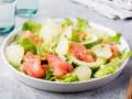 Салат из лосося, авокадо и грейпфрута