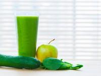 Весенний детокс-коктейль из яблок и шпината