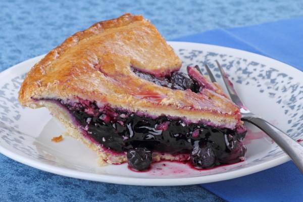 Рецепт                  Закрытый пирог с черной смородиной