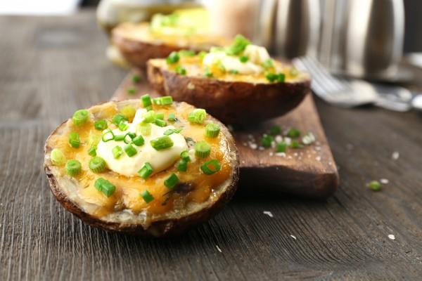 Рецепт                  Запеченный картофель в духовке с сыром
