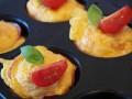 Вкусный завтрак: яичные кексы с весенними овощами