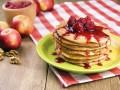 Яблочные оладьи: Три вкусные идеи