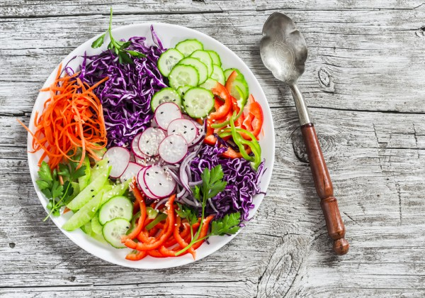 Весенний салат из овощей