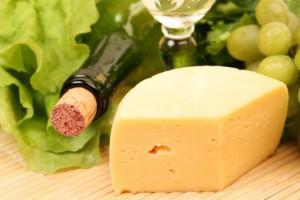 Белое вино и сыр - классическое сочетание