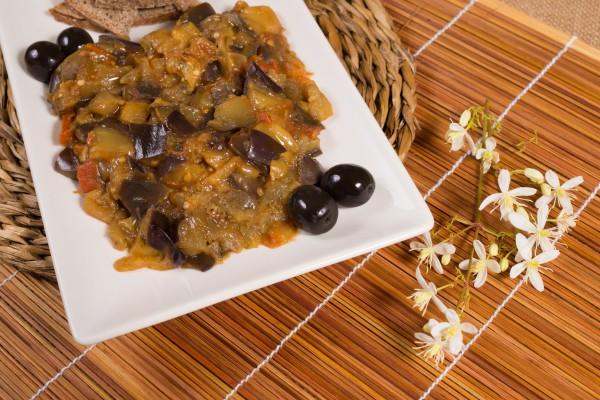 Рецепт                  Икра из баклажанов с маслинами
