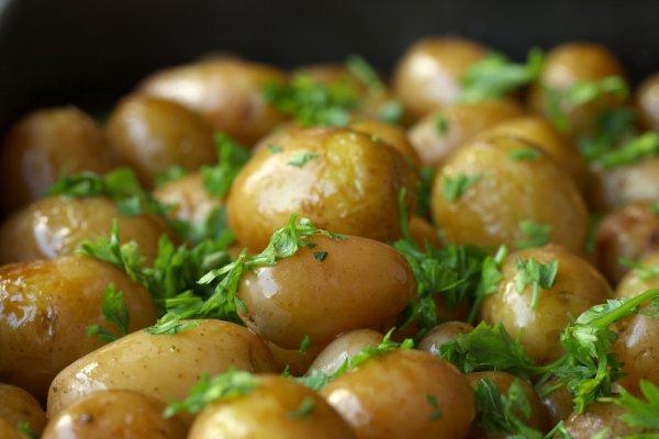 Рецепт                  Молодой картофель, жареный в кастрюле