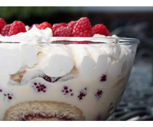 Рецепт                  Трайфл с белым шоколадом и малиной